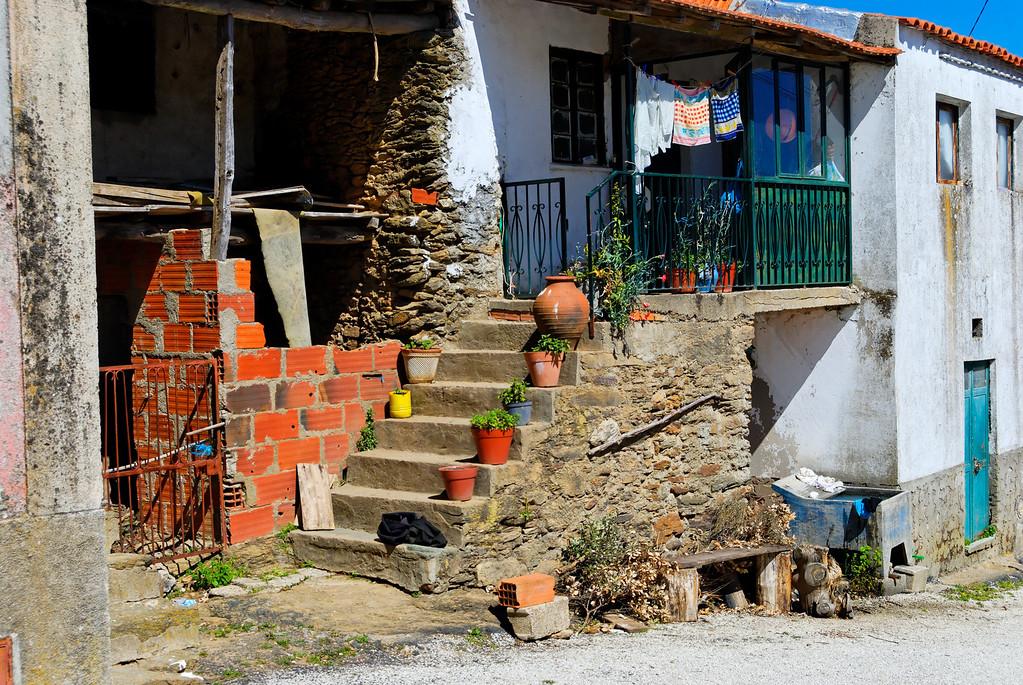 Vales - Alfandega-da-fe -20090502  -  9898