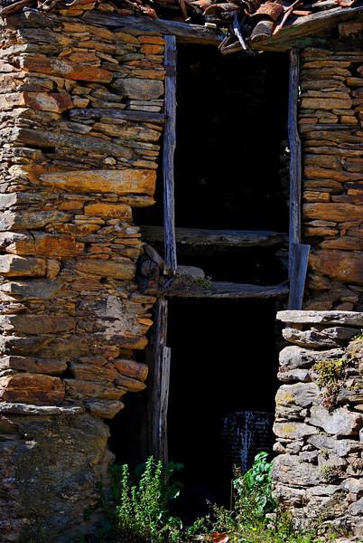 Vales - Alfandega-da-fe -20090502  -  9944