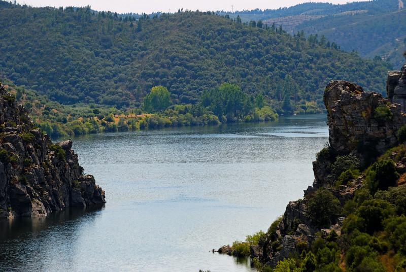 Portas de Ródão<br /> Miradouro.<br /> Aproveite para visitar o Castelo de Ródão e observar aves.