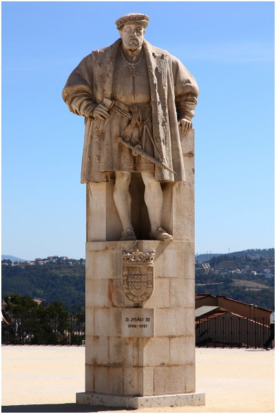 Escultura na Universidade de Coimbra