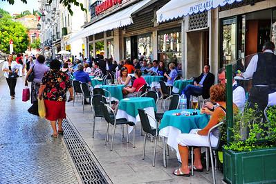 Sidewalk cafe, Lisboa, Portugal