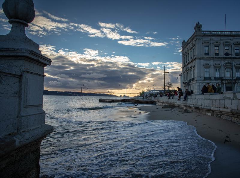 free walking tours in lisbon