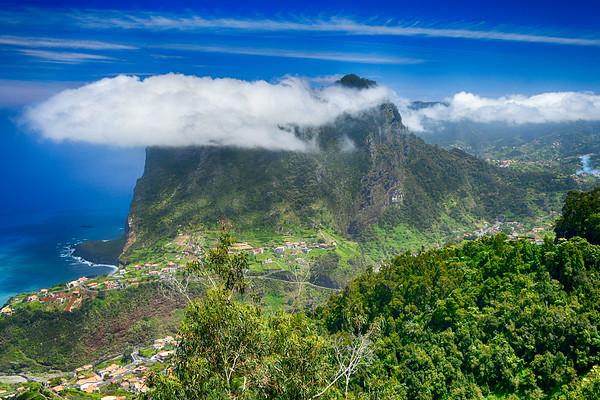 Cloud surrounding the mountain