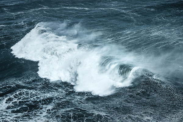 Wave crashing down in Nazare