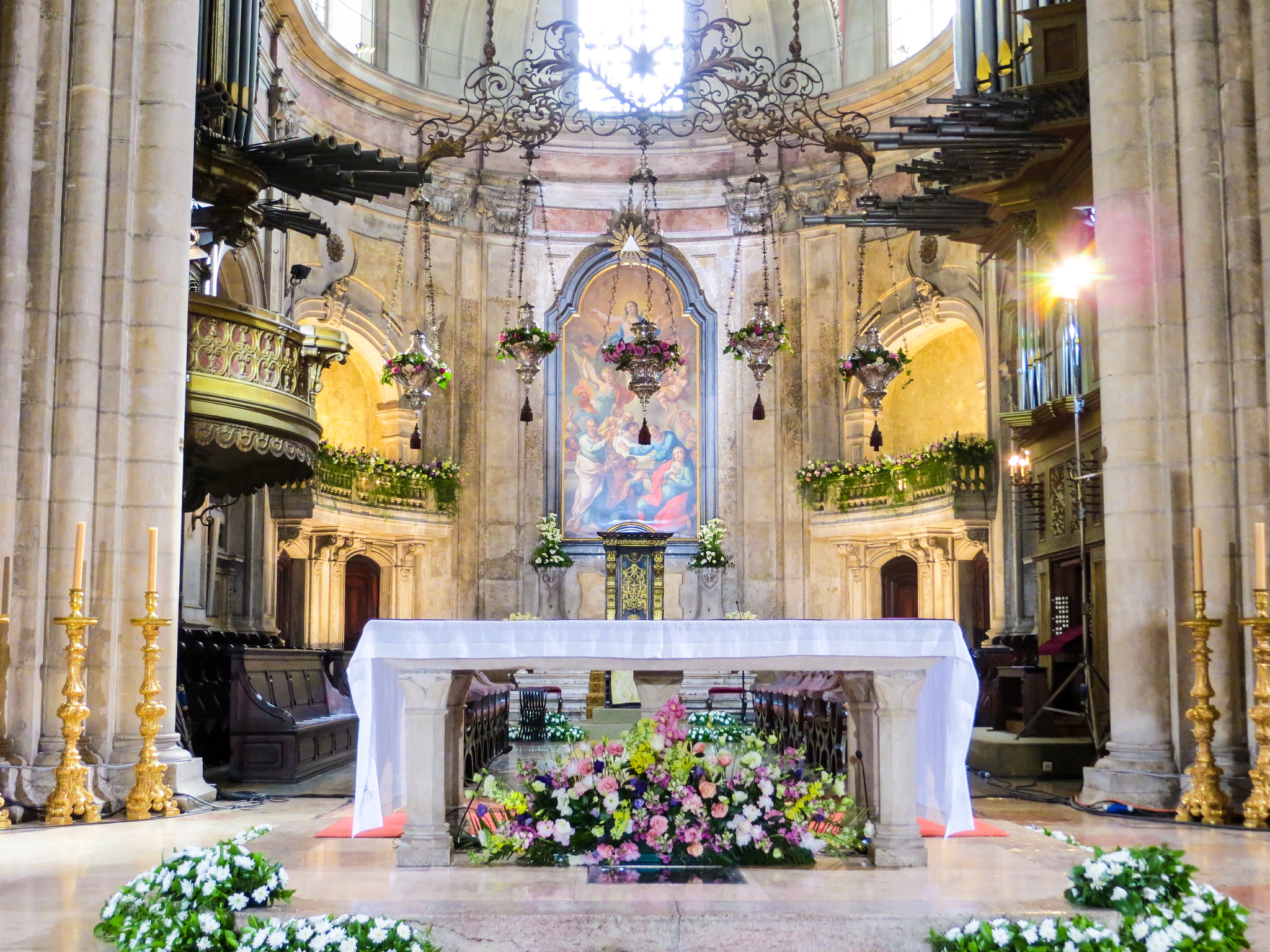 not sure what to do in lisbon for 2 days? check out the inside of churches