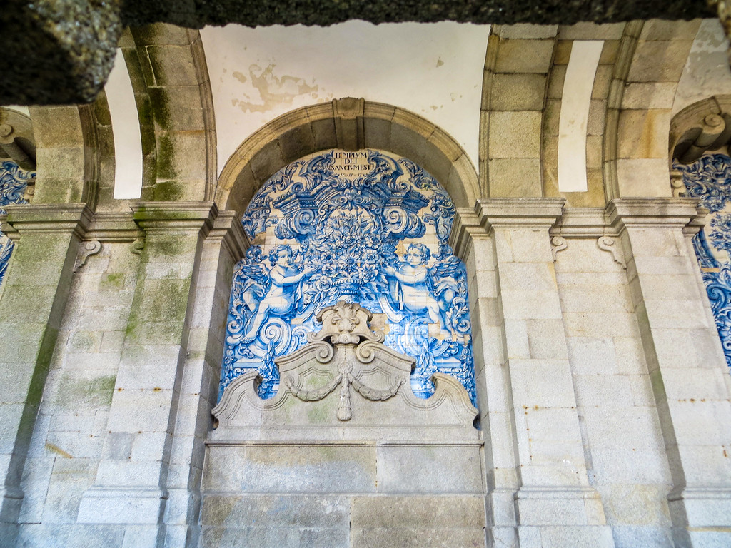visit porto portugal and see all the gorgeous blue tiles