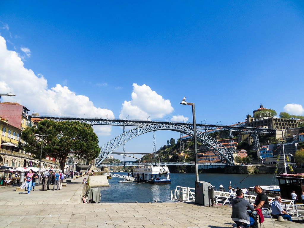 not sure what to do in Porto? take a walk to dom luis bridge