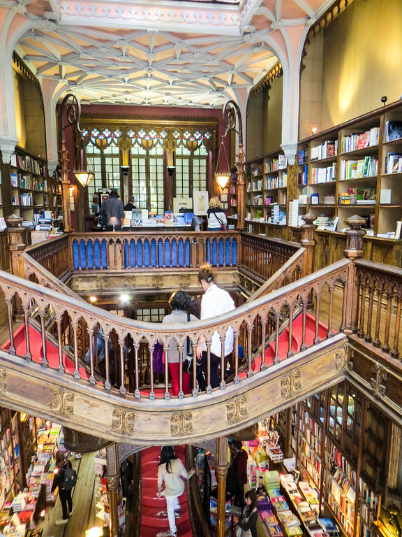 Perfect bookstore. The best thing to do in Porto.