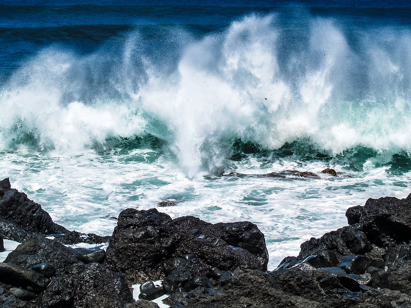 Waves in Ilha do Faial - Azores