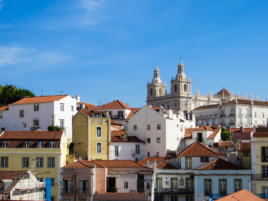 solo travel lisbon