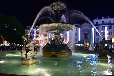 Praca Rossio Fountain at Night