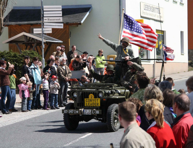 Departure of the convoy in Carlsfeld