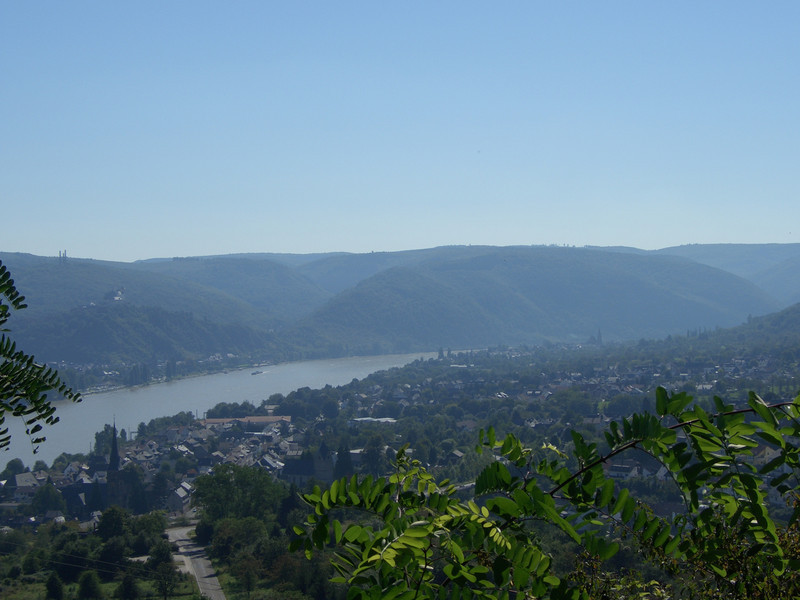 "Rhens today;<br /> On the other side of the Rhine: Braubach with the ""Marksburg"" castle"