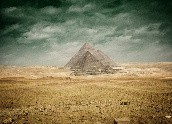 Giza Pyramids, alternate colors.
