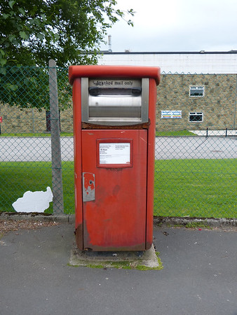 BB10 214 - Burnley, Widow Hill Road, Heasondford  Industrial Estate 160619