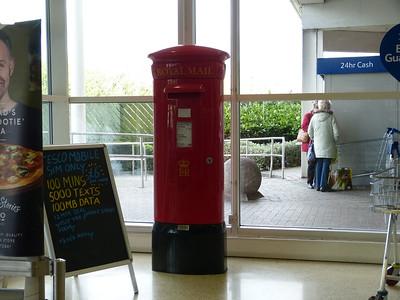 BB11 59 - Burnley, Tesco, Finsley Gate 170415