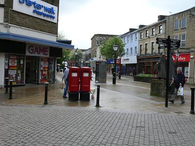 BB11 211 212 - Burnley, St James Street 090518 [location]