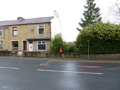 BB8 318 - Colne, Ridehalge Street  Burnley Road 170415 [location]