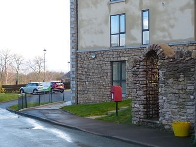 CA17 92 - Kirkby Stephen, Mill Gardens 160327 [location]