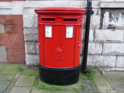 CH41 422 [r]  423 [l] - Birkenhead XPO, 99-105 Argyle Street  Grange Road East 170123