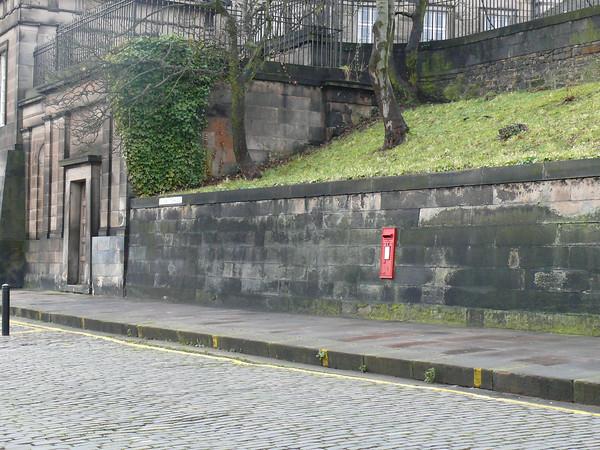 EH7 175 - Edinburgh, 1 Regent Terrace  Regent Road 110212 [location]