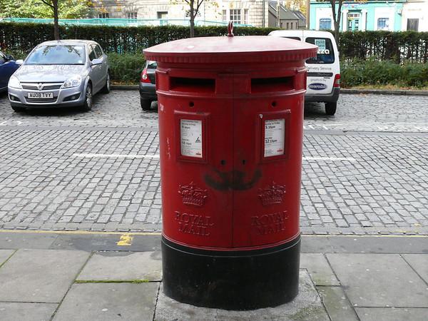 EH7 106 - Edinburgh, Elm Row Post Office 091014