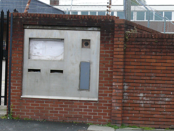 EX31 8 - Barnstaple, Queen Street Delivery Office 090607