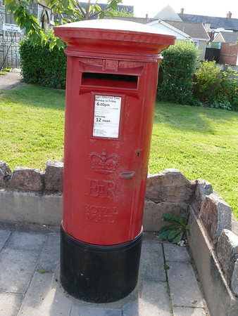 EX8 600 - Exmouth, Exeter Road Post Office 090607