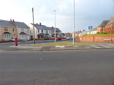 FY2 207 - Blackpool, Cavendish Road  Warbreck Drive 160529 [location]