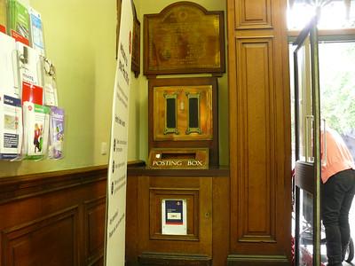 GL1 0 - Gloucester PO, Oxbode  Kings Square 110718 [inside]