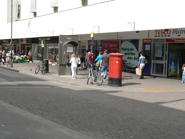 GL50 1001 - Cheltenham, High Street  Benington Street 110407 [location]
