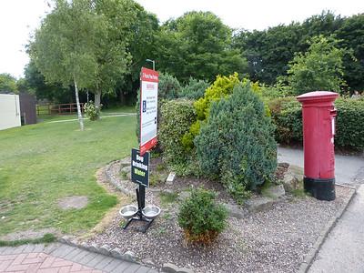 HD6 285 - Hartshead Moor West Services, M62 150809 [location]