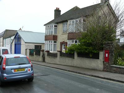 IM5 176 - Peel, Derby Road  Mona Street 110401 [location]
