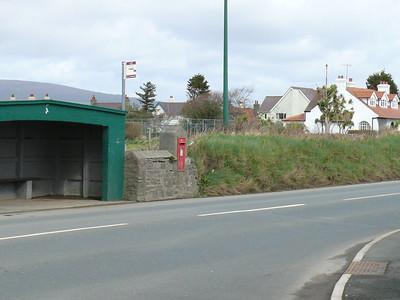 IM9 124 - Castletown, opp  King William's College, Douglas Road 110331 [location]