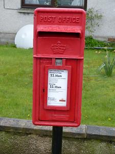 IV26 202  - Ullapool, Quay Street 150429