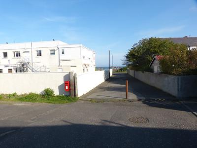 KA26 27 - Maidens, Baineshill Drive 150928 [location]