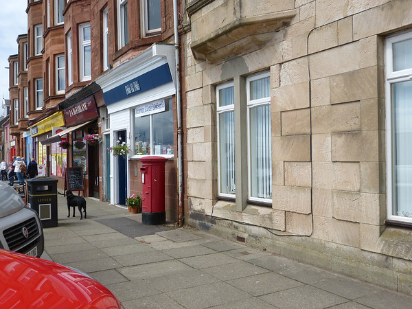 KA28 1111 - Isle of Cumbrae, Millport PO, Guildford Street 160627 [location]