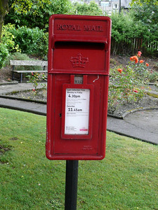 KY12 12 - Dunfermline, New Row  Park Avenue 090715
