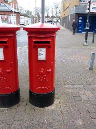 L23 451 - Crosby PO, Liverpool Road 160401 [R]
