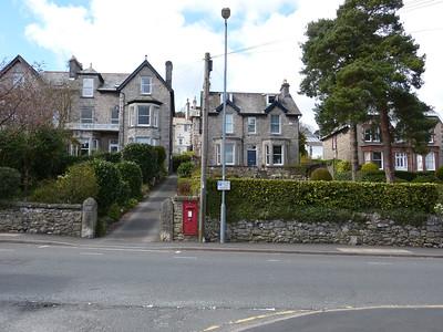 LA11 111 - Grange-over-Sands, Kents Bank Road  Cross Street 150411 [location]