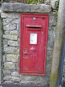 LA11 111 - Grange-over-Sands, Kents Bank Road  Cross Street 150411