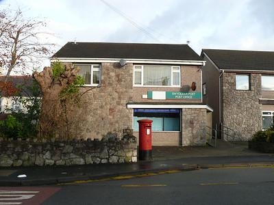 LL61 27 - Llanfairpwllgwyngyllgogerychwyrndrobwllllantysiliogogogoch PO, Holyhead Road 101121 [location]