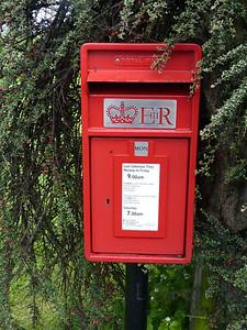 LS21 882 - Otley, Moor Drive 160529