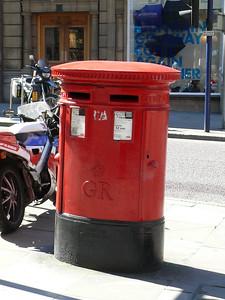 M2 243 - Manchester, 5 Albert Square 090601