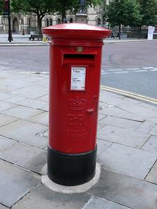 M2 2 - Manchester, Albert Square  Lloyd Street 100715