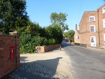 NR11 1109 - Aylsham, Millgate  Mill Row  160914 [location]