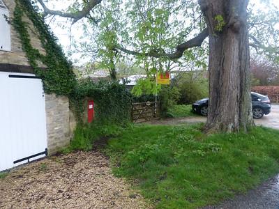 OX29 297 - South Leigh, Church End 140407 [location]