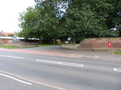 PE30 31 - Kings Lynn, Gayton Road, Gaywood Cemetary Entrance 130819 [location]