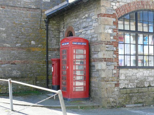 PL13 137 - Looe, Church End 090605 [location]