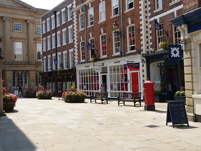 SY1 13 - Shrewsbury, The Square 140723 [location]